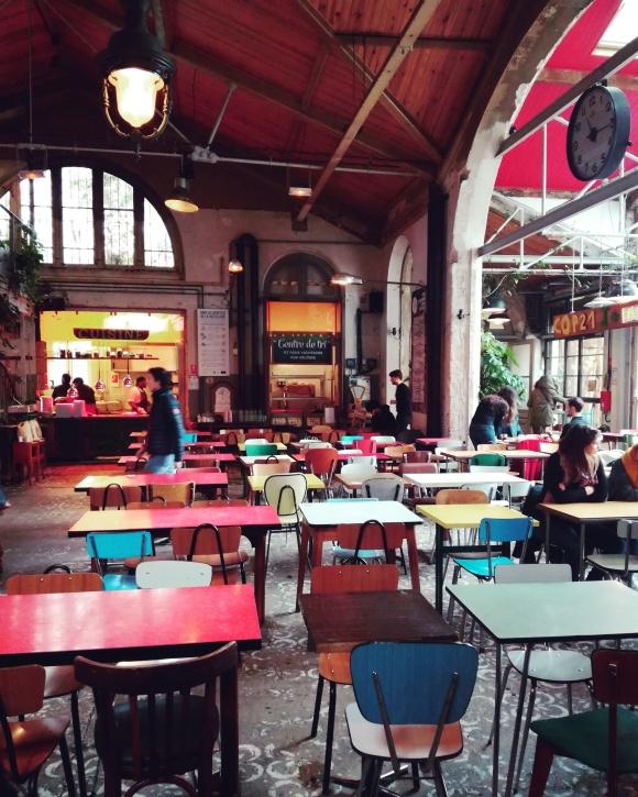La grande salle du café cantine