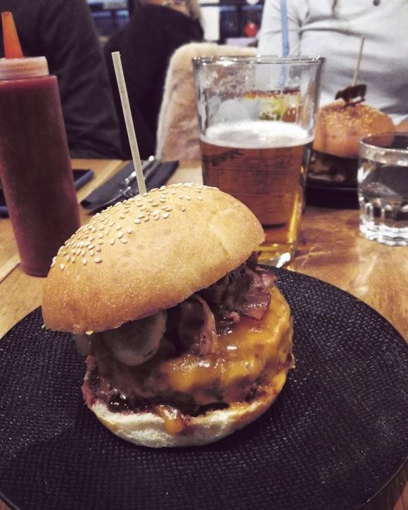 le dude burger